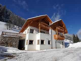 Bright 2 bedroom San Martino in Badia Condo with Balcony - San Martino in Badia vacation rentals