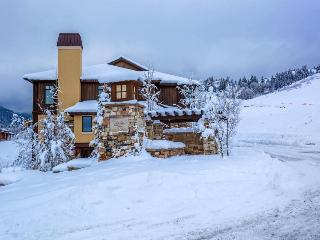Spacious home with ski-in/ski-out access; private hot tub; firepit - Park City vacation rentals