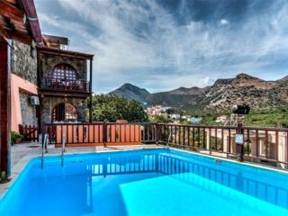 Perfect 3 bedroom Elounda House with A/C - Elounda vacation rentals