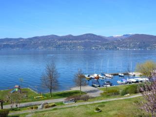 Lakefront holiday apartment, Ispra, Lago Maggiore - Ispra vacation rentals