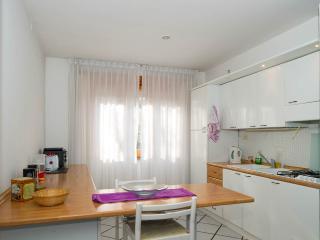 VILLA CARDINAL, ROME, TIVOLI, apt. CAESAR - Tivoli vacation rentals