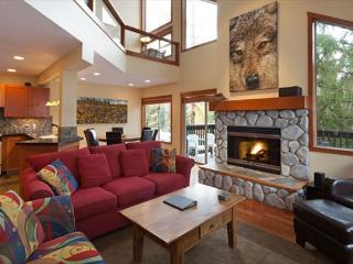Snowy Creek 4 | Whistler Platinum | Renovated Townhome, Ski-In/Ski-Out - Whistler vacation rentals