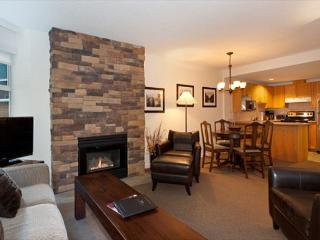 Woodrun Lodge 414 | 1 Bedroom + Den Ski-In/Ski-Out Condo with Shared Hot Tub - Whistler vacation rentals