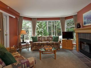 Woodrun Lodge #416 | 1 Bedroom + Den Ski-In/Ski-Out Condo, Shared Hot Tub - Whistler vacation rentals