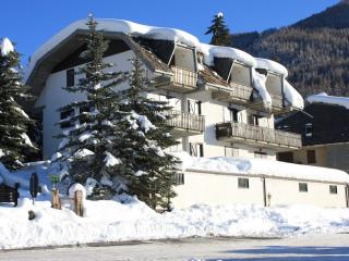 Nice Condo with Internet Access and Central Heating - Salice D'Ulzio vacation rentals