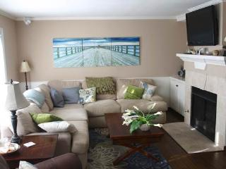 2 bedroom House with Parking in Carlsbad - Carlsbad vacation rentals