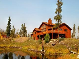 Bootlegger Lodge - 26 acres of private land, on private lake! - Keystone vacation rentals