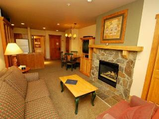 Red Hawk Lodge 2200 - Cozy studio, walk to slopes, on site pool, hot tub, fitness room and pool table! - Keystone vacation rentals