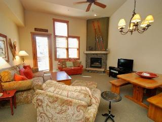 Red Hawk Townhome 2337 - Spacious, three level property with washer/dryer, walk to slopes! - Keystone vacation rentals