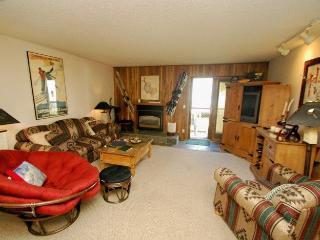 Snowdance Condominiums B104 - Walk to slopes, updated kitchen, Mountain House! - Keystone vacation rentals