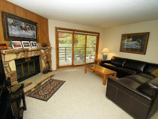 Snowdance Manor 206 - Walk to slopes, indoor pool and hot tub, Mountain House! - Keystone vacation rentals