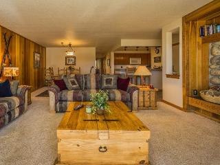 Pines Condominiums 2167 - Sleeps 8, on free shuttle route, newly remodeled indoor pool and hot tub! - Keystone vacation rentals