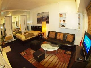 Great studio right by Grand Central and UN E45th - New York City vacation rentals