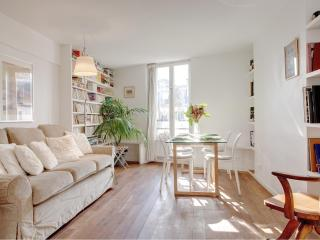 LOUVRE CHATELET XXII : great 2BR near the Louvre - Paris vacation rentals