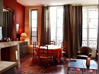 316/lovely-ile-saint-louis-two-bedroom - Ile-de-France (Paris Region) vacation rentals