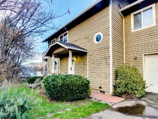 Downtown riverview home near skiing and snowboarding, dogs ok! - Hood River vacation rentals