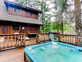 Secluded, waterfront home with a private hot tub & lodge-like interior - Dogs OK - Parkdale vacation rentals