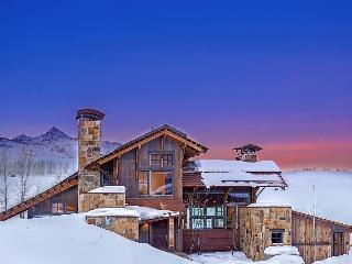 Enjoy sweeping views of the mountains along with peace and quiet in your beautiful vacation home next to Telluride Ski and Golf Club. - Telluride vacation rentals