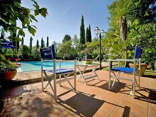 Charming, small house completely restored equipped with all modern amenities. SAL CPI - Tuscany vacation rentals