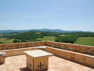 Located on a wine producing estate- 360 degree countryside view. SAL POR - Tuscany vacation rentals