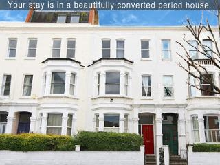 London Luxury 4 Less-4BR, 6BD-3BT - London vacation rentals