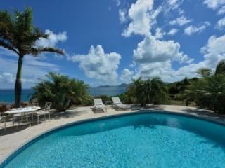 Exquisite 2 Bedroom Villa in Terres Basses - Terres Basses vacation rentals