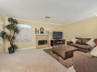 Spacious Townhome Gated, Clean, Comfortable - Las Vegas vacation rentals