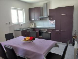 Comfortable 1 bedroom Vacation Rental in Kampor - Kampor vacation rentals