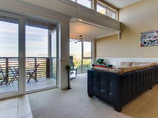 Seaside, pet-friendly home with Pacific views! - Rockaway Beach vacation rentals