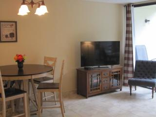 HOTEL QUALITY & CONVENIENCE OF HOME – NEWLY RENOVATED 2BR CONDO ON CORAL BEACH! - Grand Bahama vacation rentals