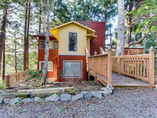 Artistic and whimsical cottage only minutes from the beach! - Cannon Beach vacation rentals