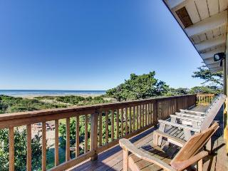 Oceanfront, dog-friendly rental w/ shared hot tub & sea views - Rockaway Beach vacation rentals