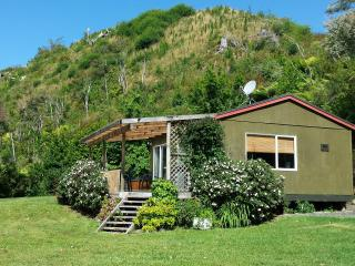 Comfortable 2 bedroom Cottage in Katikati - Katikati vacation rentals