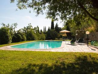 House in farm property with pool, 2 bedrooms, view - Castelfranco di Sopra vacation rentals
