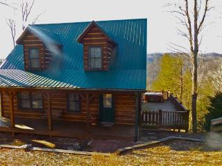 Cozy 2 bedroom Boone House with Deck - Boone vacation rentals