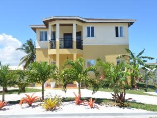 Tuscan Style Home w/rental car at extra $60 p/day - Nassau vacation rentals