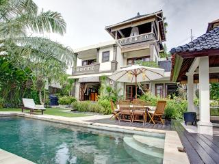 Luxury Villa in Southern Bali.Peaceful,Lush,Homey - Ungasan vacation rentals
