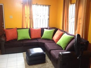 Cute TropiCasa 2BD/2BR - Kingston Jamaica - Kingston vacation rentals