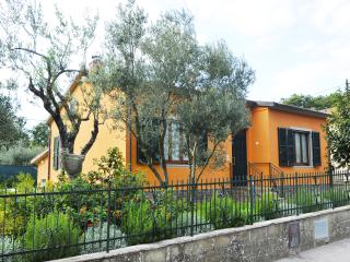 Nice House with Deck and Internet Access - Tuoro sul Trasimeno vacation rentals