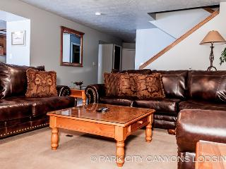 Park West Town Home 3987: Ample Space, Private Hot Tub, Sledding Hill—This Vacation Rental Has It All - Park City vacation rentals