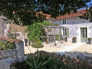 La Petite Ferme, Longeveau - Dordogne Region vacation rentals