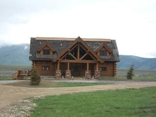 Eagles Eyrie is 3 levels of beautful log cabin with 4 bedrooms and 6 bathroom - Island Park vacation rentals