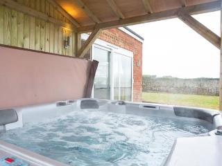 Seascape -  Sea views, Hot tub and Log burner - Birchington vacation rentals