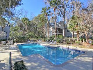 8006 Treetops, Newly Renovated Villa, Walk to Beach, Free Bikes, Tennis, Pool - Hilton Head vacation rentals