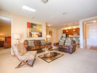 Lake view luxury and elegant furnishings in this 2-bed, 2-bath condo. - Orlando vacation rentals
