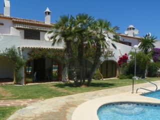 Duplex in front of pool - MJ - Denia vacation rentals