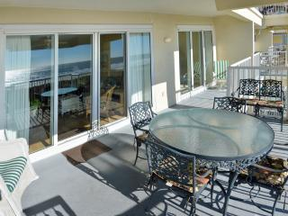 August specials Luxury Oceanfront 4Bd/4 Bt Condo - Isle of Palms vacation rentals