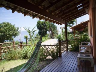 Casas/Chalés em Ilhabela, praia do Itaguaçu com linda Vista - Ilhabela vacation rentals