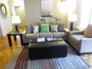Lux Longwood 1BR w/ balcony & WiFi - Boston vacation rentals