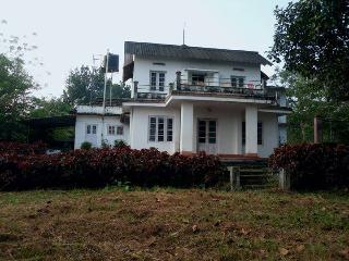 Nice Farmhouse Barn with Balcony and Mountain Views - Kottayam vacation rentals